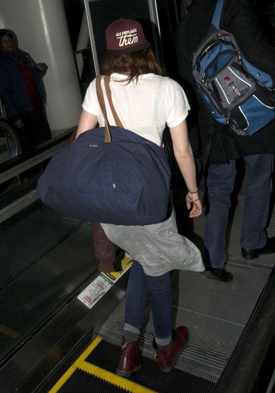 Kristen Stewart nosi czapkę z przesłaniem (FOTO)