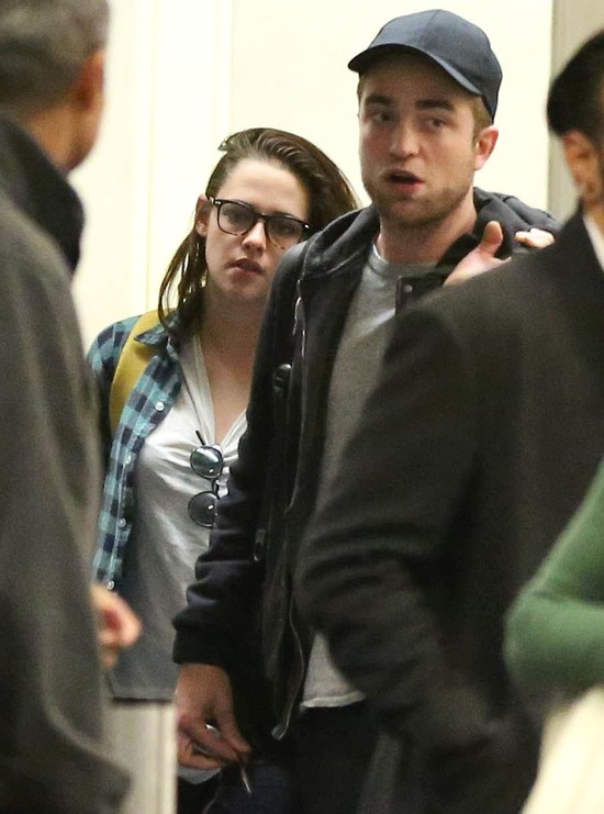 Kristen Stewart nosi BRUDNĄ bieliznę Roberta Pattinsona!