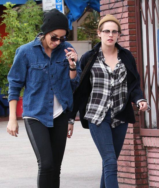 Kristen Stewart ca�uje si� ze SWOJ� DZIEWCZYN�?! (FOTO)