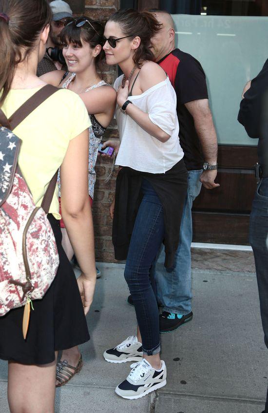 Kristen Stewart zaczyna... przypominać kobietę (FOTO)