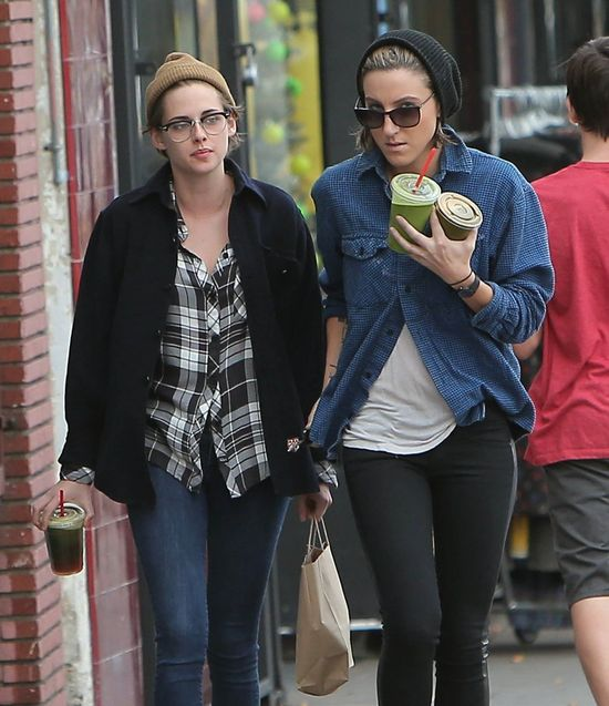 Kristen Stewart całuje się ze SWOJĄ DZIEWCZYNĄ?! (FOTO)