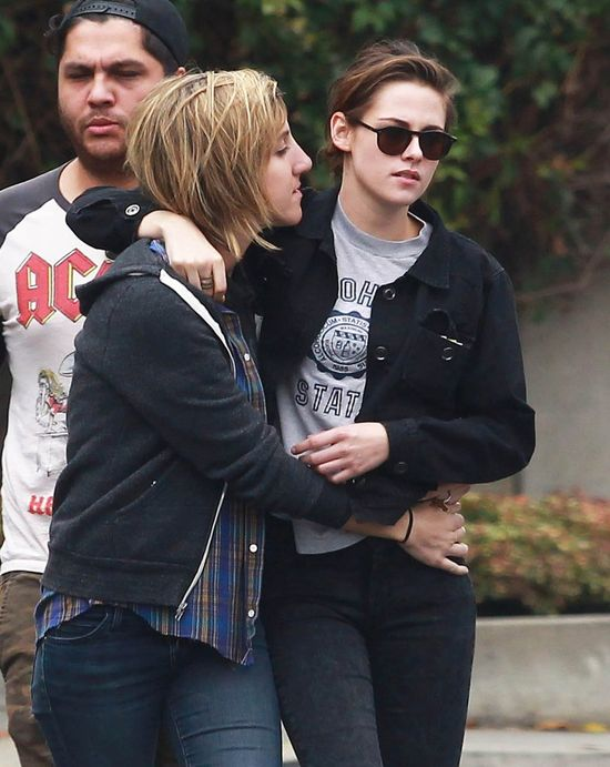 Kristen Stewart w miłośnym uścisku ze swoją dziewczyną