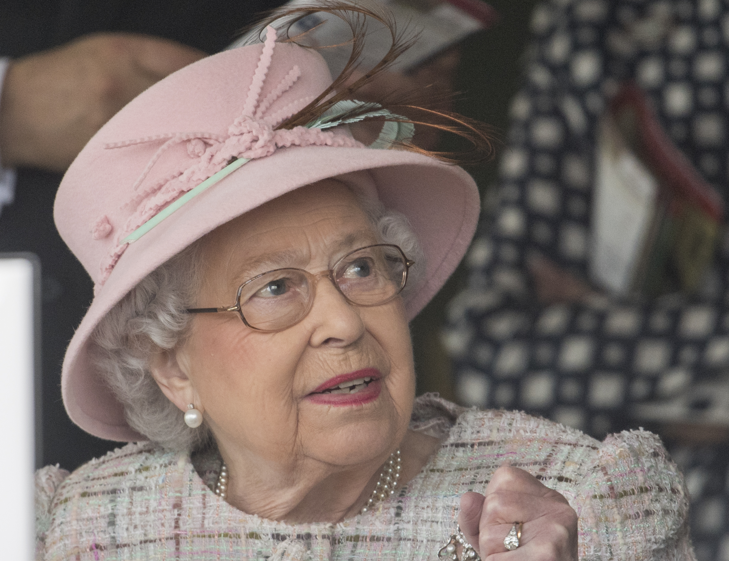 Brafitterka rodziny królewskiej zdradziła SZOKUJĄCE szczegóły z ich życia