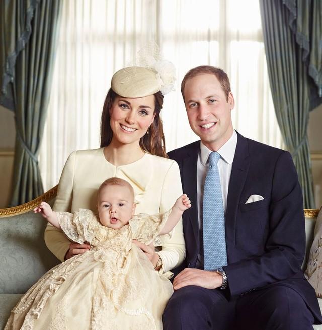 Skandal! Przysłonili łysinę księcia Williama!
