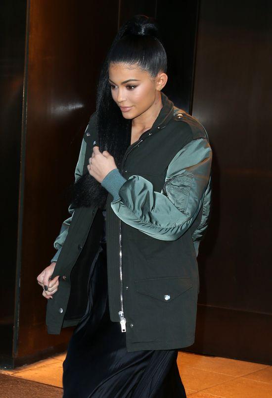 Kylie Jenner pozazdro�ci�a Kim Kardashian?