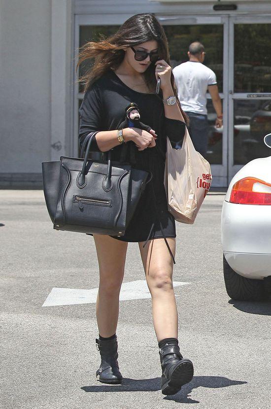 Kylie Jenner dostała Mercedesa za 125 tysięcy dolarów!