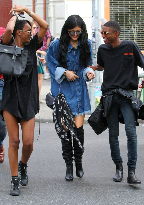 Gdy Kendall pracuje, jej m�odsza siostra... (FOTO)