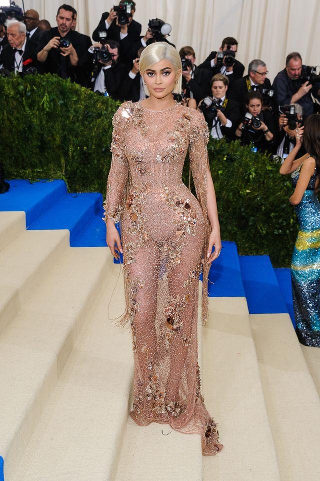 Kylie Jenner nigdy nie wróci do wagi sprzed ciąży? Oto, czym karmi ją luby