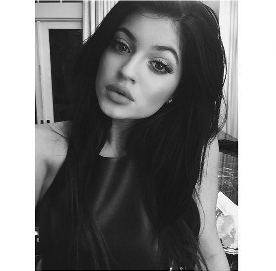 Jasny przekaz do Kylie Jenner: Zostaw mojego faceta