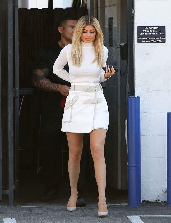 Kylie Jenner ZNISZCZYŁA sobie twarz! (FOTO)