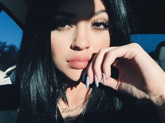Kylie Jenner właśnie przestała przypominać siebie (FOTO)