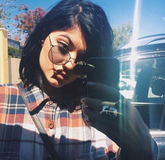Fani śmieją się z toaletowego selfie Kylie Jenner (FOTO)