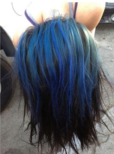 Kto ma niebieskie włosy? (FOTO)