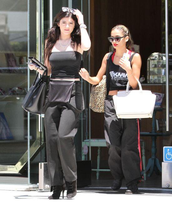Ca�a czarna Kylie Jenner (FOTO)