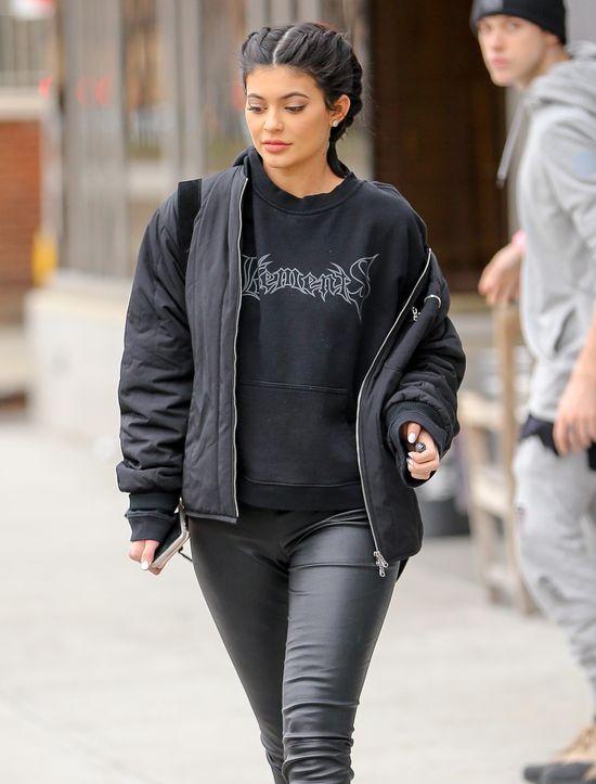 Okładka Paper Magazine z Kylie Jenner będzie Cię prześladować! (FOTO)
