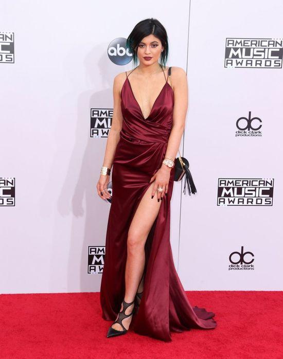 Kylie Jenner jest w ci��y?! (FOTO)