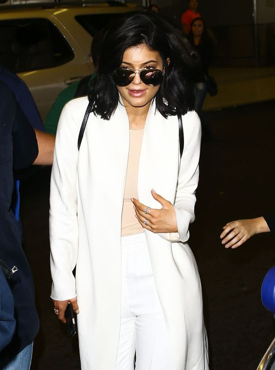 Ozdoba na palcu Kylie Jenner wywołała burzę (FOTO)