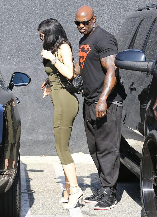 Kylie Jenner wygląda jak lalka z sex shopu? (FOTO)