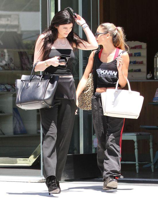 Cała czarna Kylie Jenner (FOTO)