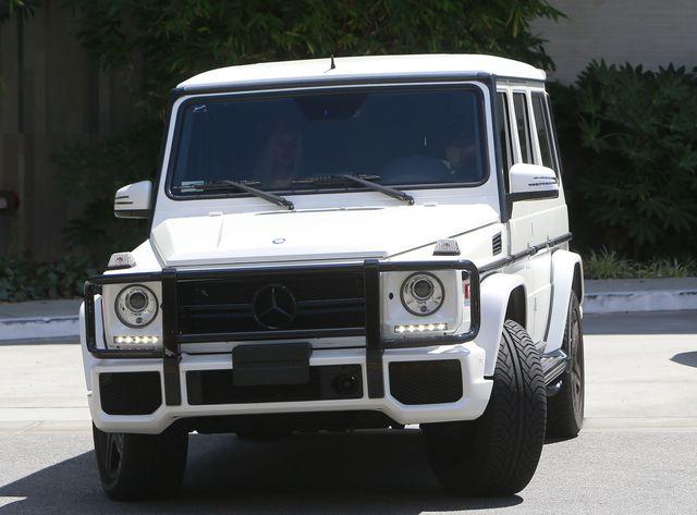 Kylie Jenner już na nowego Mercedesa (FOTO)