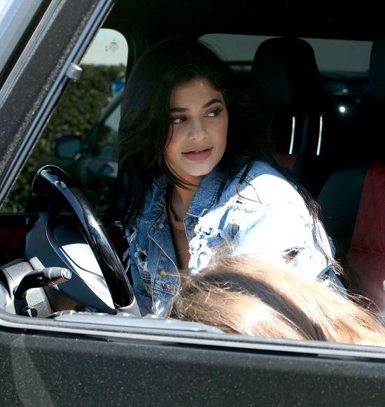 Na nogi Kylie Jenner wr�ci� CELLULIT! (FOTO)