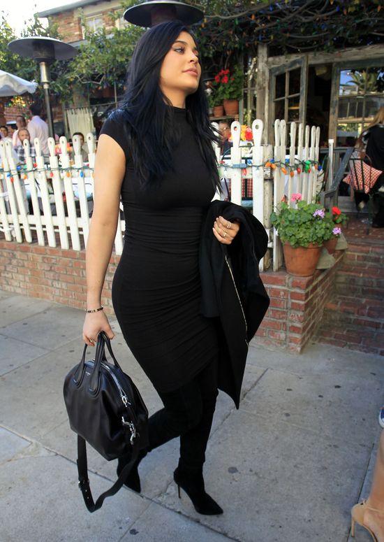 Internauci martwią się o Kylie Jenner! (FOTO)