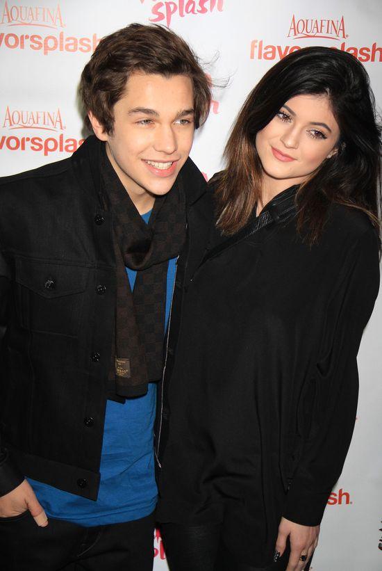 Cody czy Austin - z kim umawia się Kylie Jenner? (FOTO)