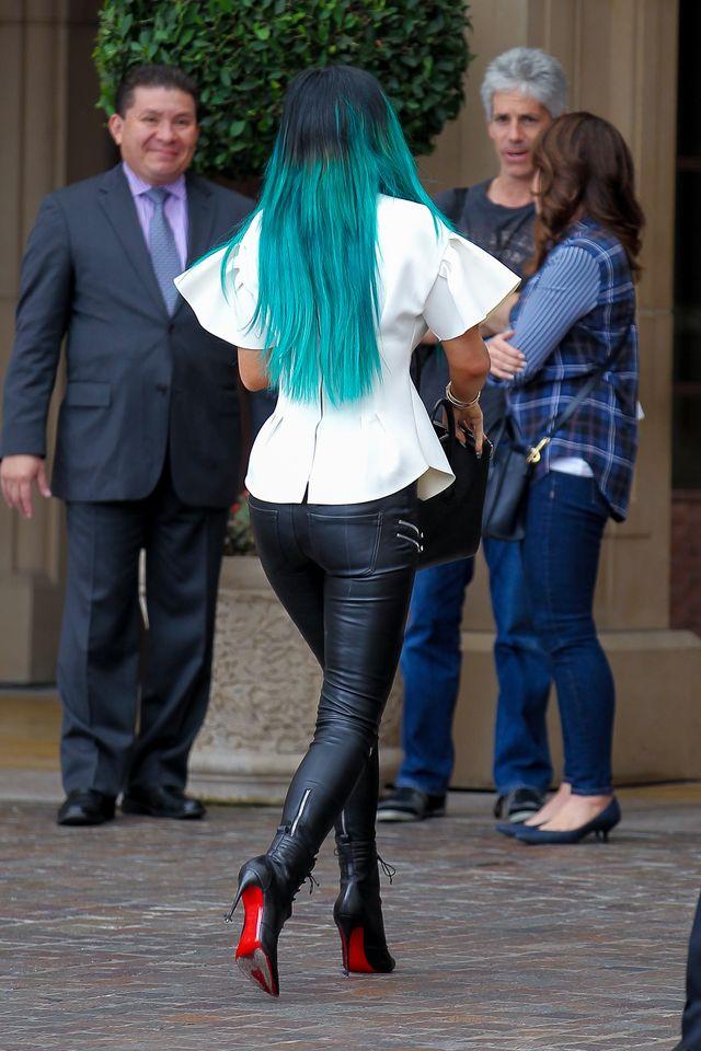 Kylie Jenner powiększyła biust? (FOTO)