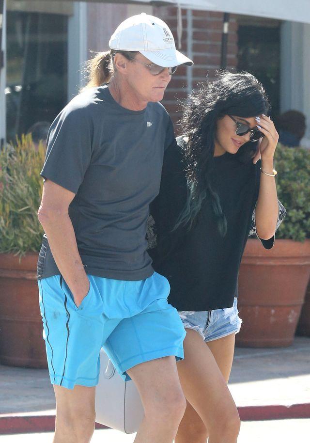 U Jennerów i Kardashianów powstają obozy