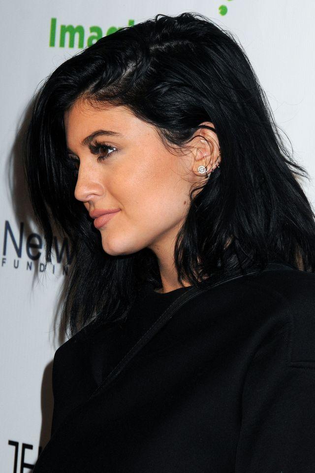 Czy to na pewno TA SAMA osoba? Porównujemy profil Kylie Jenner dziś...