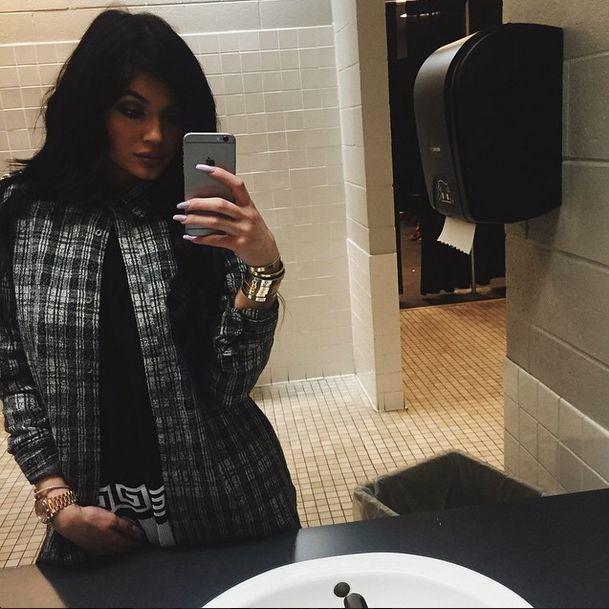 Chłopak Kylie Jenner przyłapany w klubie ze striptizem VIDEO