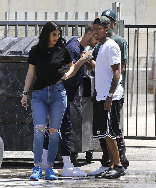 Dlaczego Tyga i Kylie Jenner nie chodzą za rękę?