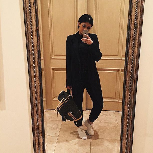Czy Kylie Jenner słyszy to, co mówi? (VIDEO)