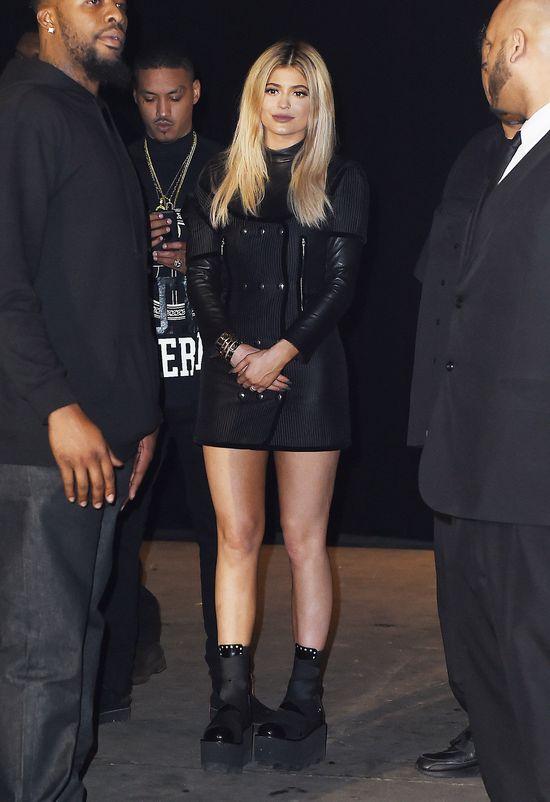 Kylie Jenner popłynęła ze stylizacjami na NYFW (FOTO)
