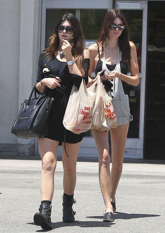 Co Kandall i Kylie Jenner myślą o paparazzi?