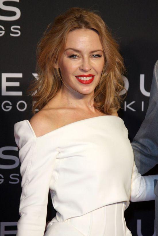 Z twarzą Kylie Minogue wszystko jest w porządku? (FOTO)