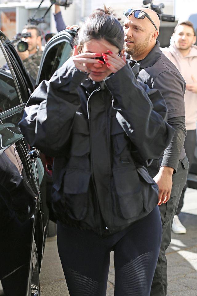 Ten SZCZEGÓŁ na zdjęciu Kylie ze Stormi PRZERAZIŁ fanów