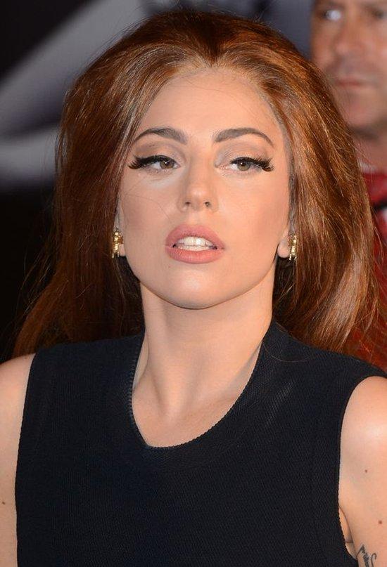 Oto, co makijaż potrafi zrobić z przeciętnej kobiety (FOTO)