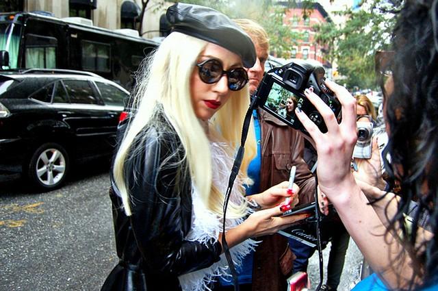 Lady Gaga: Noszę podróbki