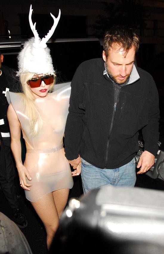 Lady Gaga to ekshibicjonistka (FOTO)
