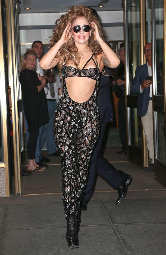 Najlepiej ubrane piosenkarki wedłg Vanity Fair (FOTO)