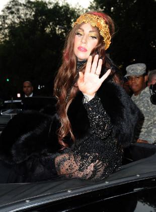 Lady Gaga oferuje darmowe porady psychologiczne