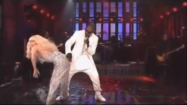 Lady Gaga zszokowała bardziej niż Cyrus na MTV VMA (VIDEO)