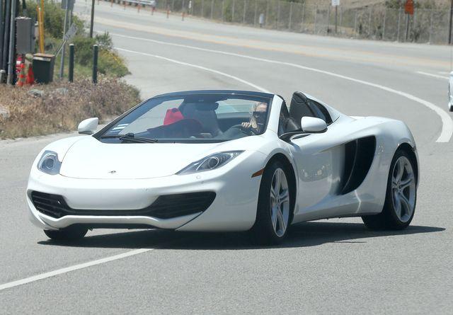 Lady Gaga w białym Lamborghini