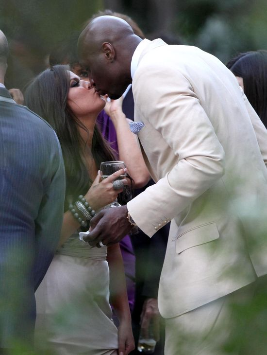 Khloe Kardashian sama podj�a si� leczenia Lamara