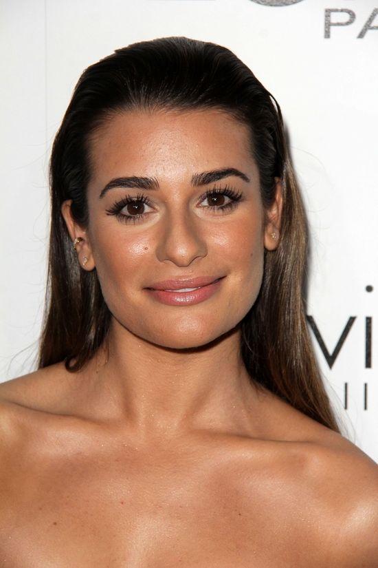 Uśmiechnięta Lea Michele bryluje na imprezie (FOTO)