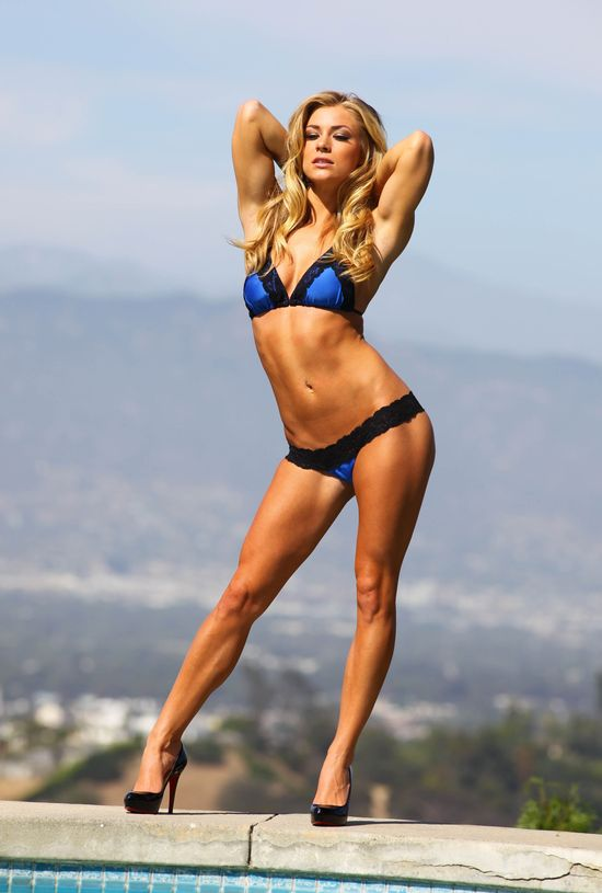 Nikki Leigh w sesji Playboya (FOTO)