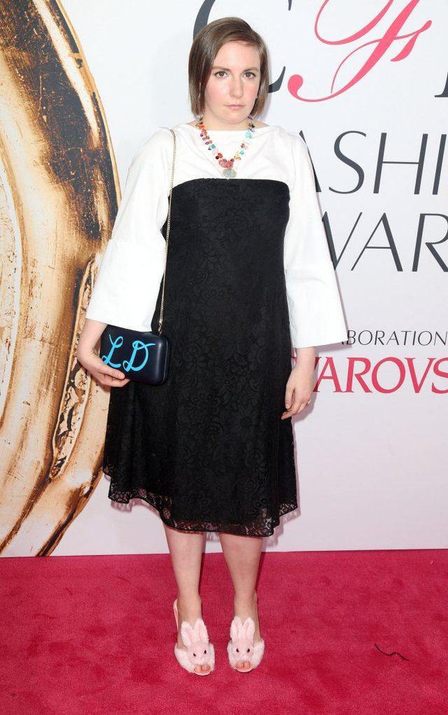 Tak, tylko ona mogła założyć TAKIE buty na czerwony dywan (FOTO)