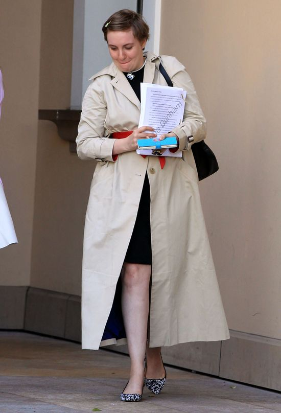 Paparazzi przyłapali Lenę Dunham, kiedy dawała Reese...