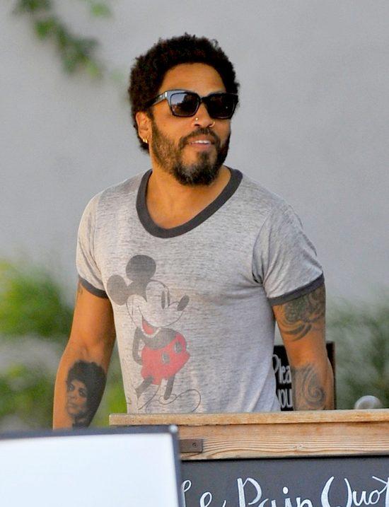 UPS! Lenny Kravitz pokazał PUPĘ (FOTO)